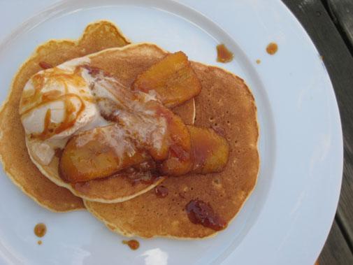 caramel_banana_pancakes.jpg