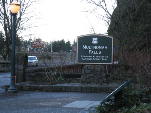 multnomah_falls_sign.jpg