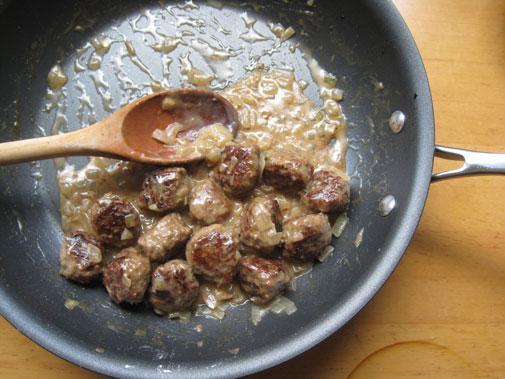swedish_meatball1.jpg